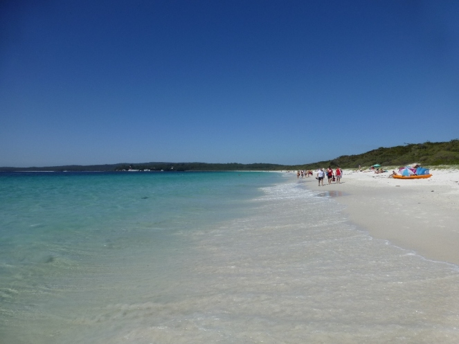 The white sands on Hyams Beach