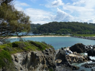 The view back into the Narooma inlet from Bar Rock lookout.