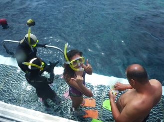 ... while Ciara and me get ready to go snorkelling.