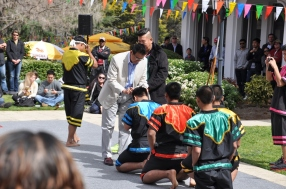 The ambassador blesses the martial arts performers