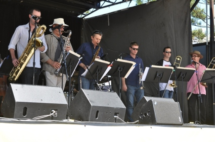 A band on the Main stage on Manly Beach