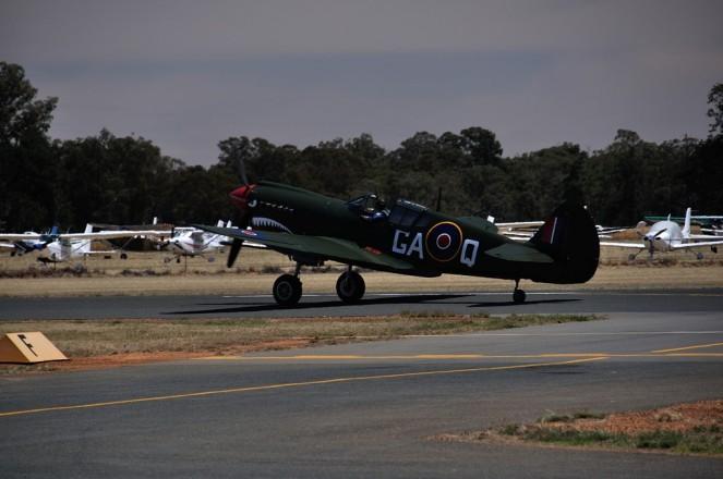 A P-40N Kittyhawk
